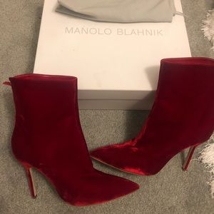 manolo blahnik red ankle boots